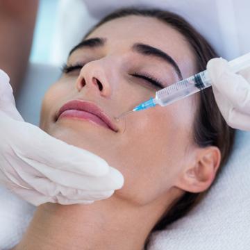 dentist uses botox